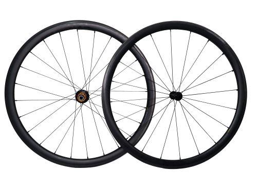 Zapletená cestné karbónová bicykle javax Bitex - plášťová tubeless - 1360g