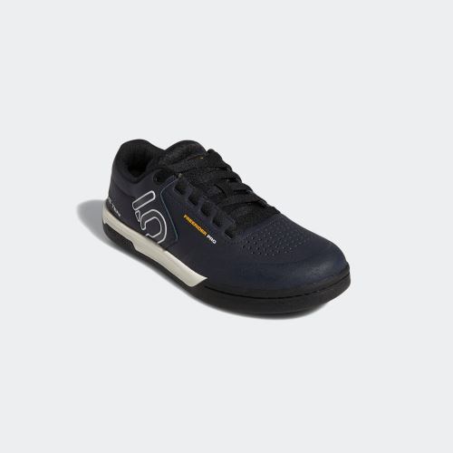 Obuv FiveTen Freerider Pro - NIGHT NAVY / CLOUD WHITE / COLLEGIATE GOLD